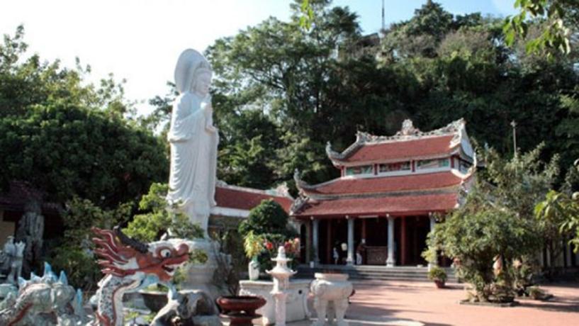 Chùa Non Nước - Ninh Bình